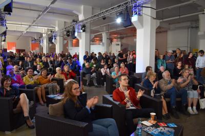 Hunderte interessierte Chemnitzerinnen und Chemnitzer verfolgten die Einblicke ins Bidbook